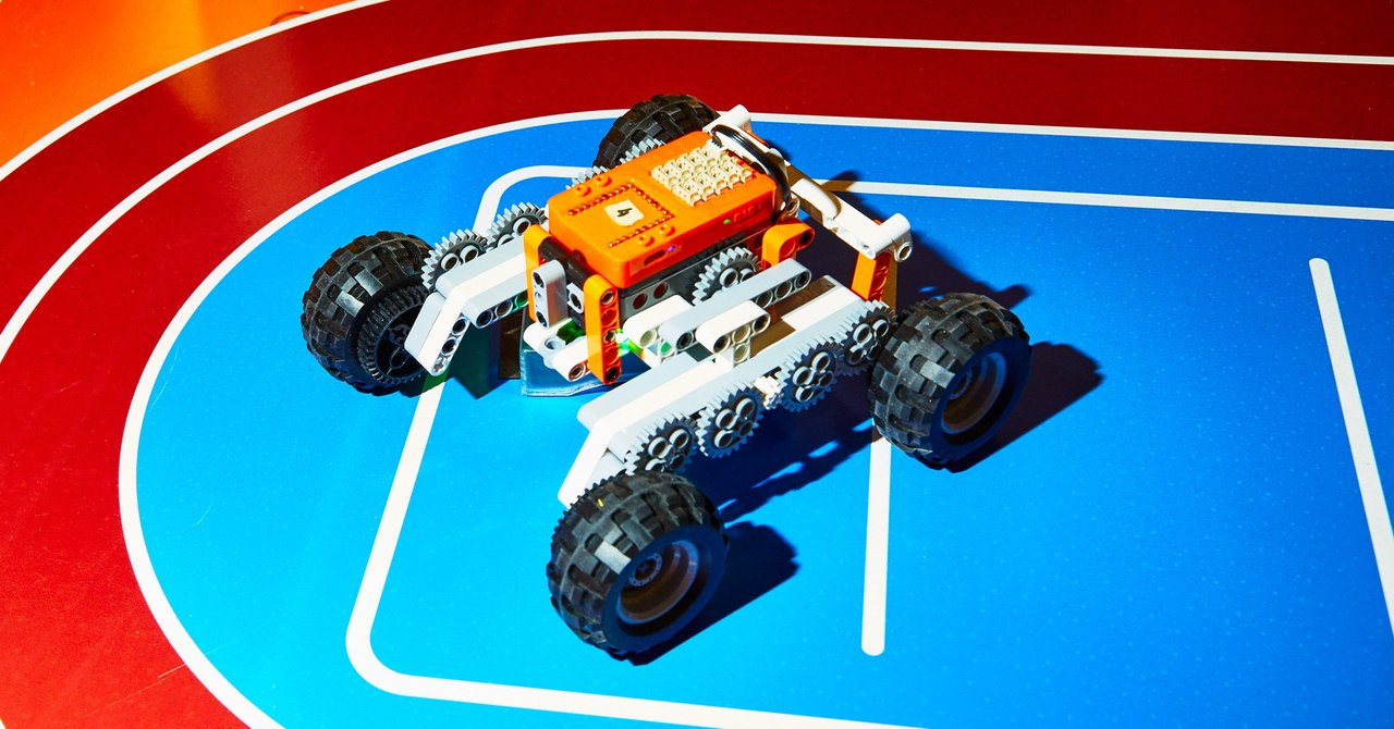 The 6 Best Toys at CES 2020: STEM, Robots, AR Board Games