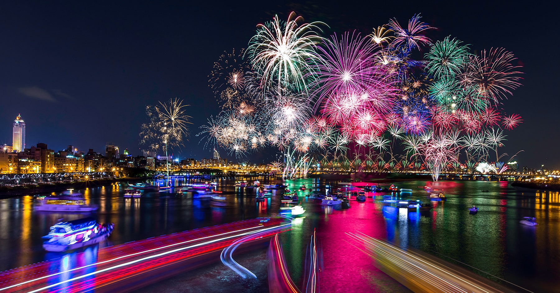How to Take Photos of Fireworks With Your Phone