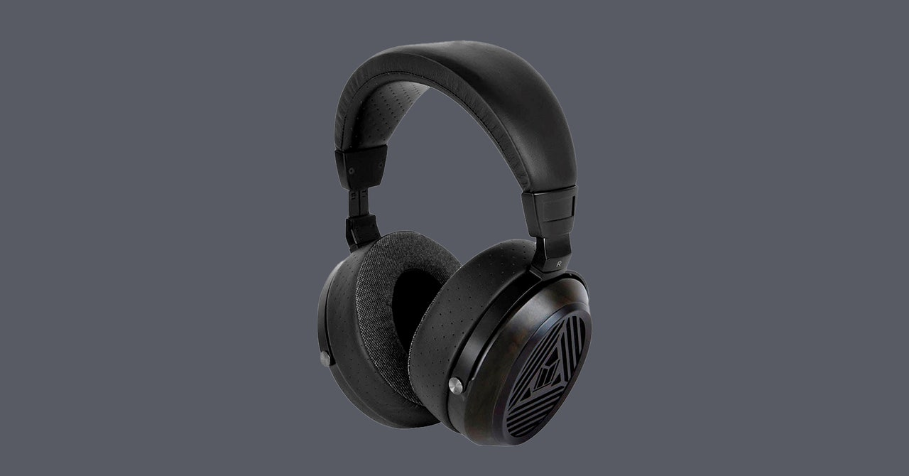 Monoprice Monolith M570 Headphones Review: Awesome Sound for the Price